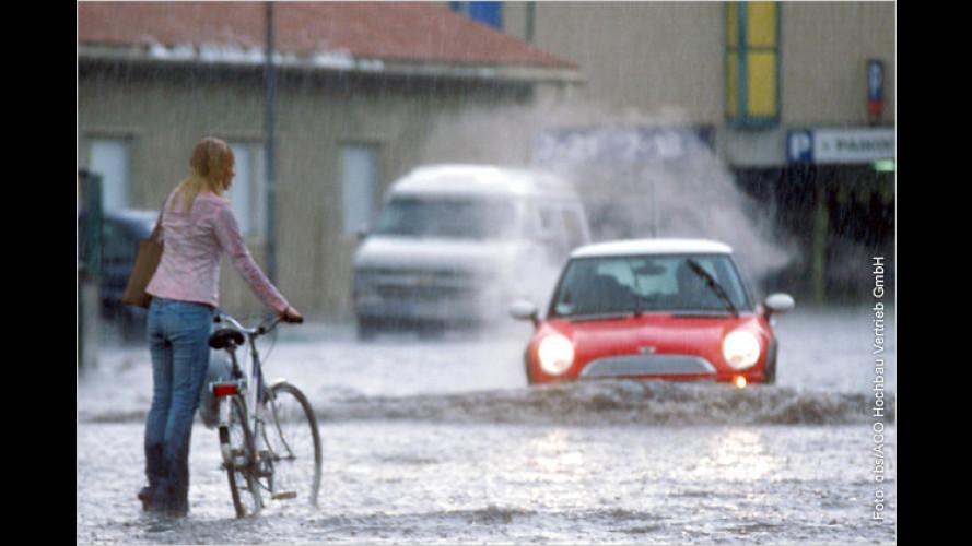 Vorsicht, Unwetter: Wie Autofahrer sicher ans Ziel kommen