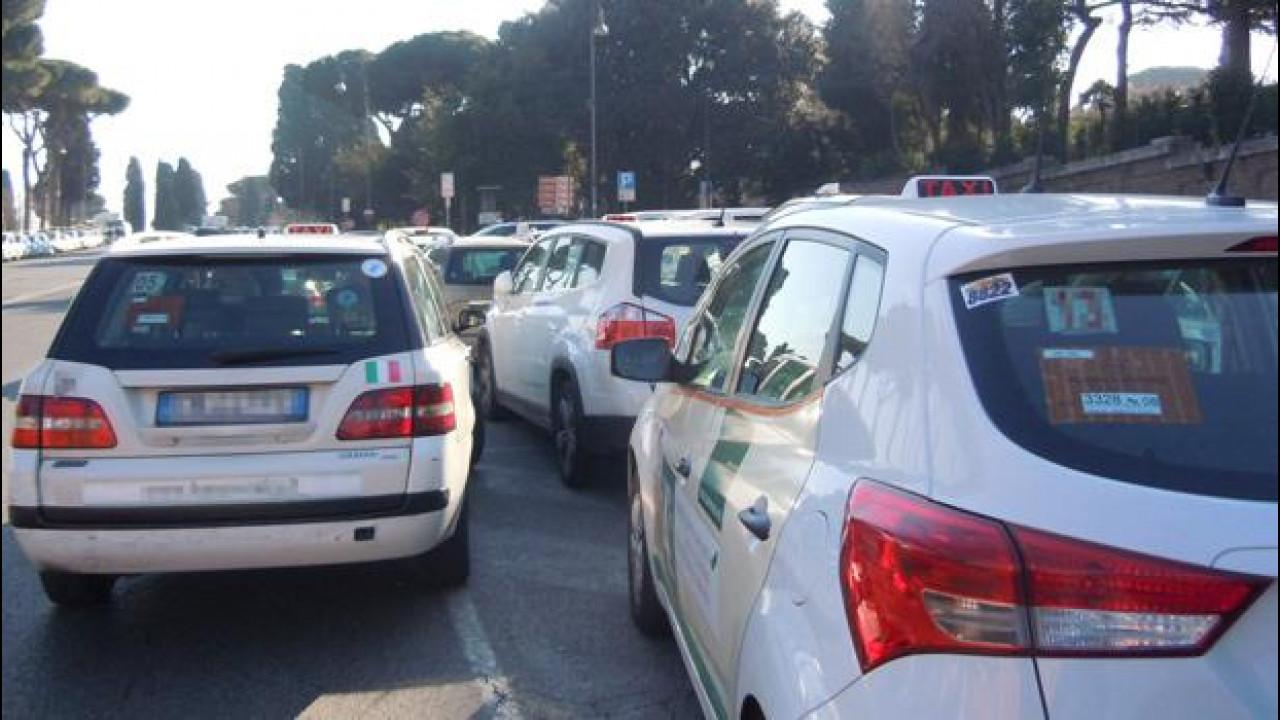 """[Copertina] - Uber ed UberPop, perché secondo i tassisti sono """"abusivi"""""""