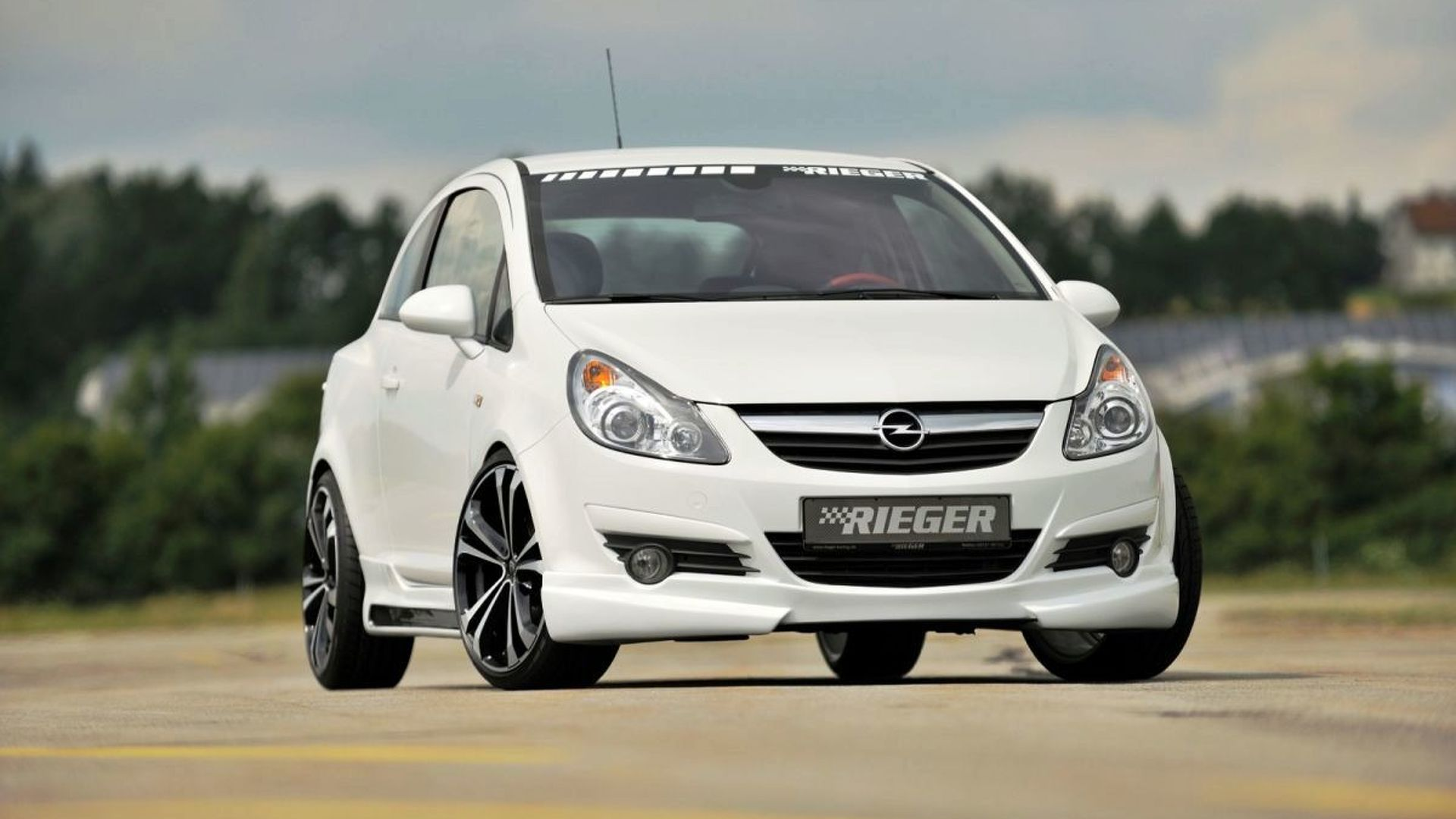 277a831a0 RIEGER offers new styling kit for Astra H and Corsa D