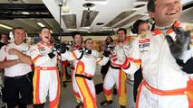 Renault team celebrates, Hungarian GP 2009, qualifying