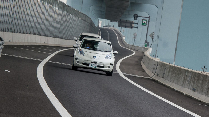 Nissan reveals Leaf Piloted Drive 1.0 concept and plans autonomous vehicle launch by 2020