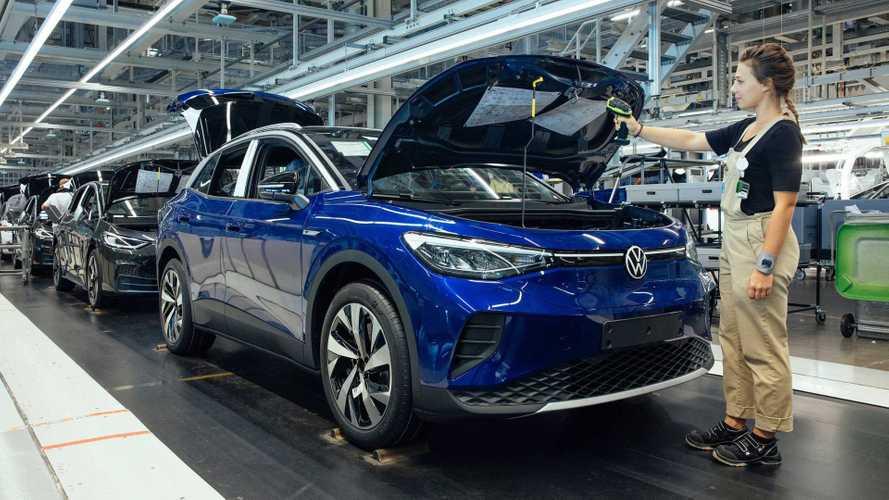 Veja o SUV elétrico Volkswagen ID.4 na linha de produção na Alemanha