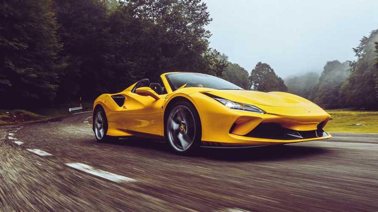 Ferrari F8 Spider, az út teszt