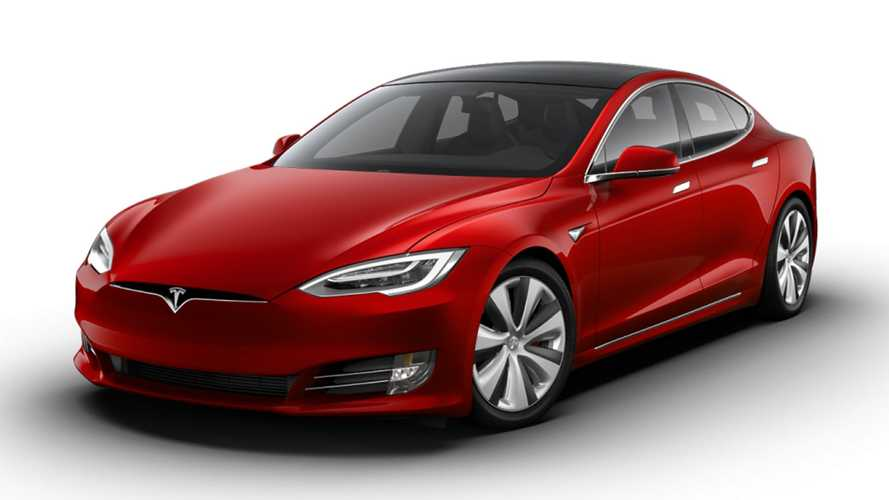 Tesla Model S Plaid in Red
