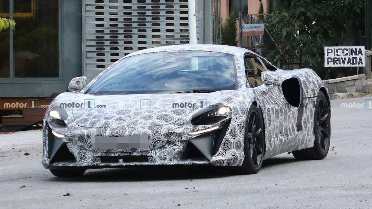 McLaren Hibrit Süper Otomobil Casus Fotoğraflar