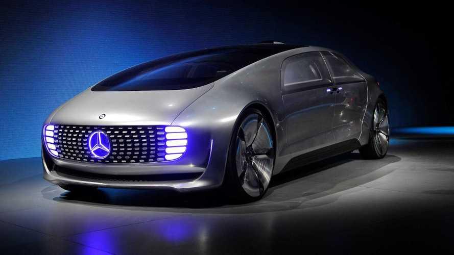 Mercedes dice addio alla guida autonoma
