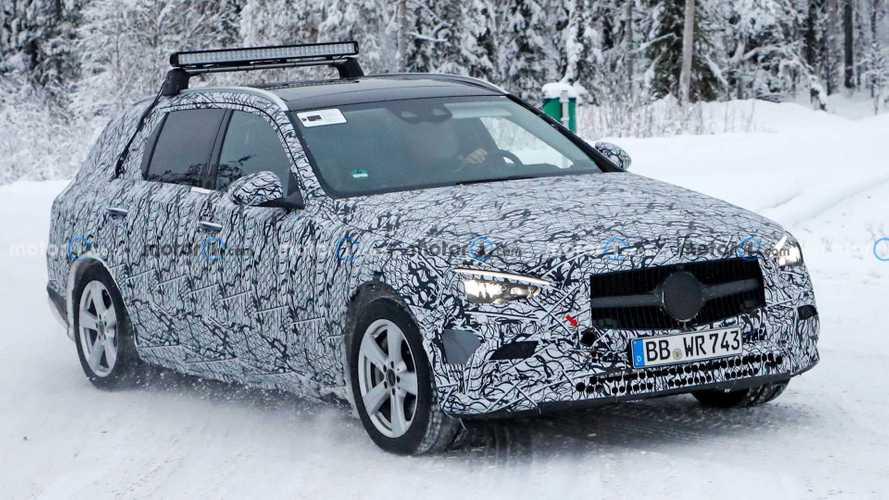 New Mercedes C-Class spy photos catch estate winter testing