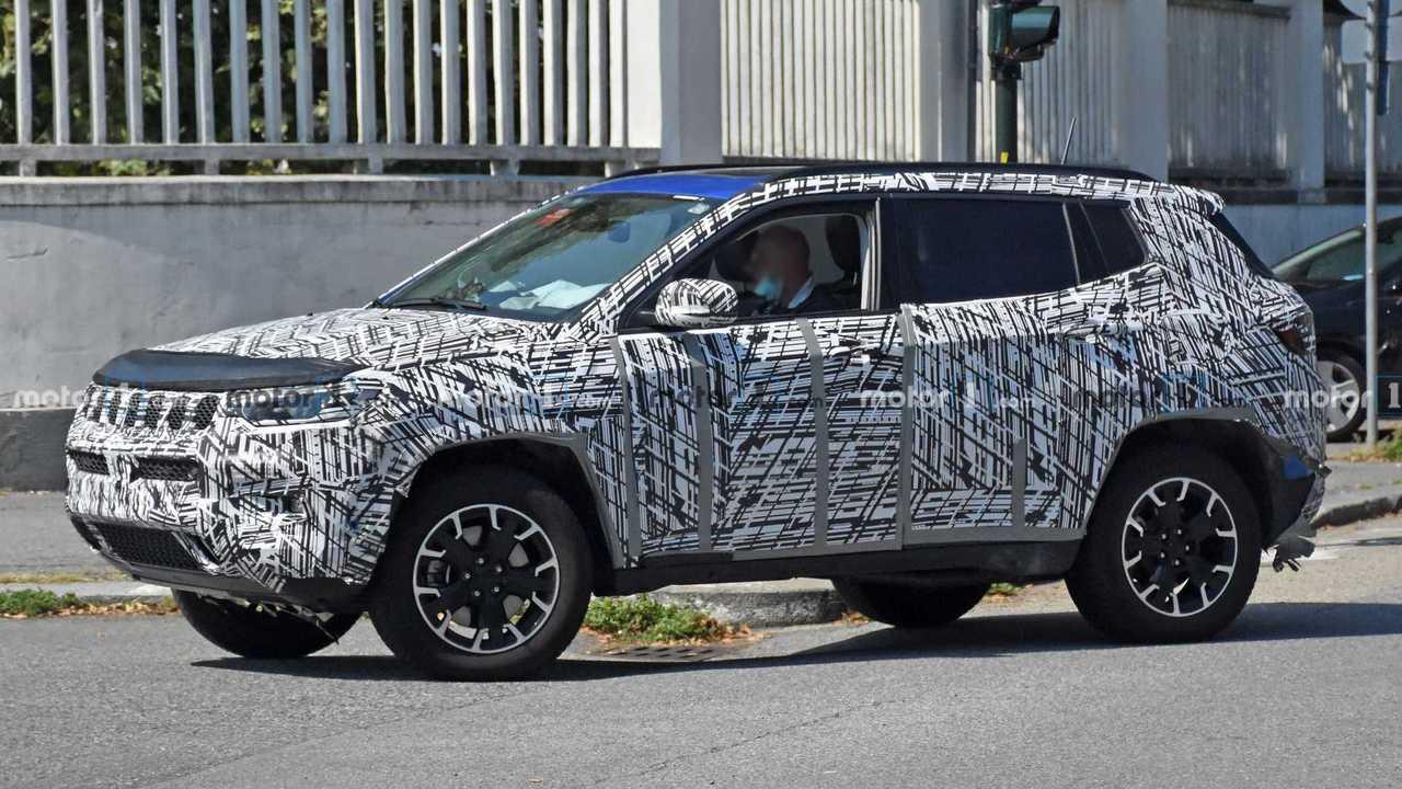Jeep Compass 2022 - Novos flagras
