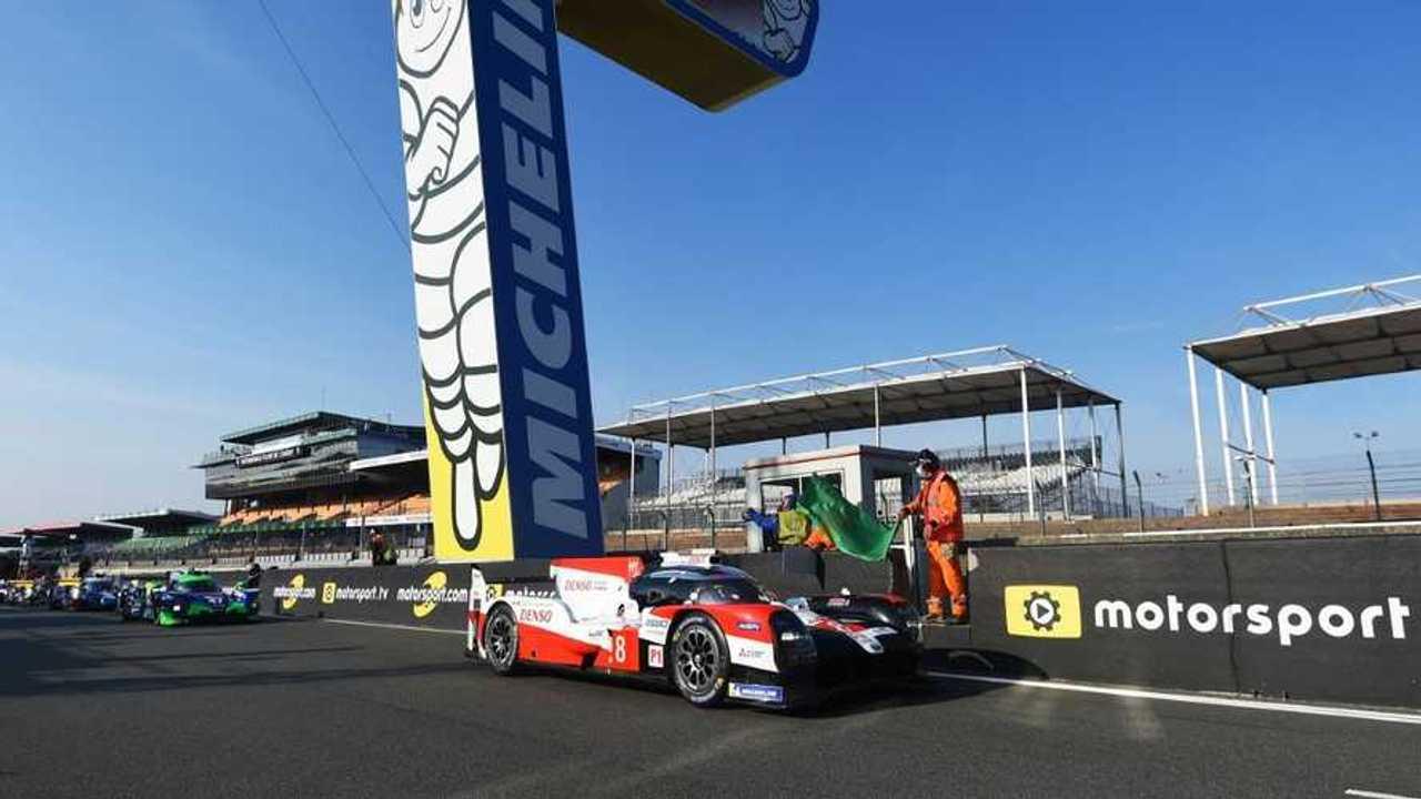 Motorsport Reklamının Yer Aldığı Bir Yarış