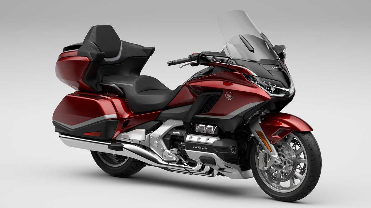 2021 Honda Gold Wing Tour Airbag DCT in Candy Ardent Red