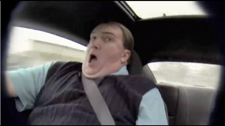 Vídeo: vendedor passa sufoco em um Camaro