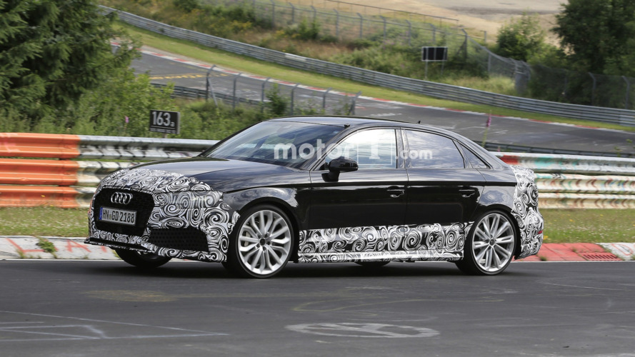 Audi RS3 Sedan 400 bg ile Paris'i sallamaya geliyor