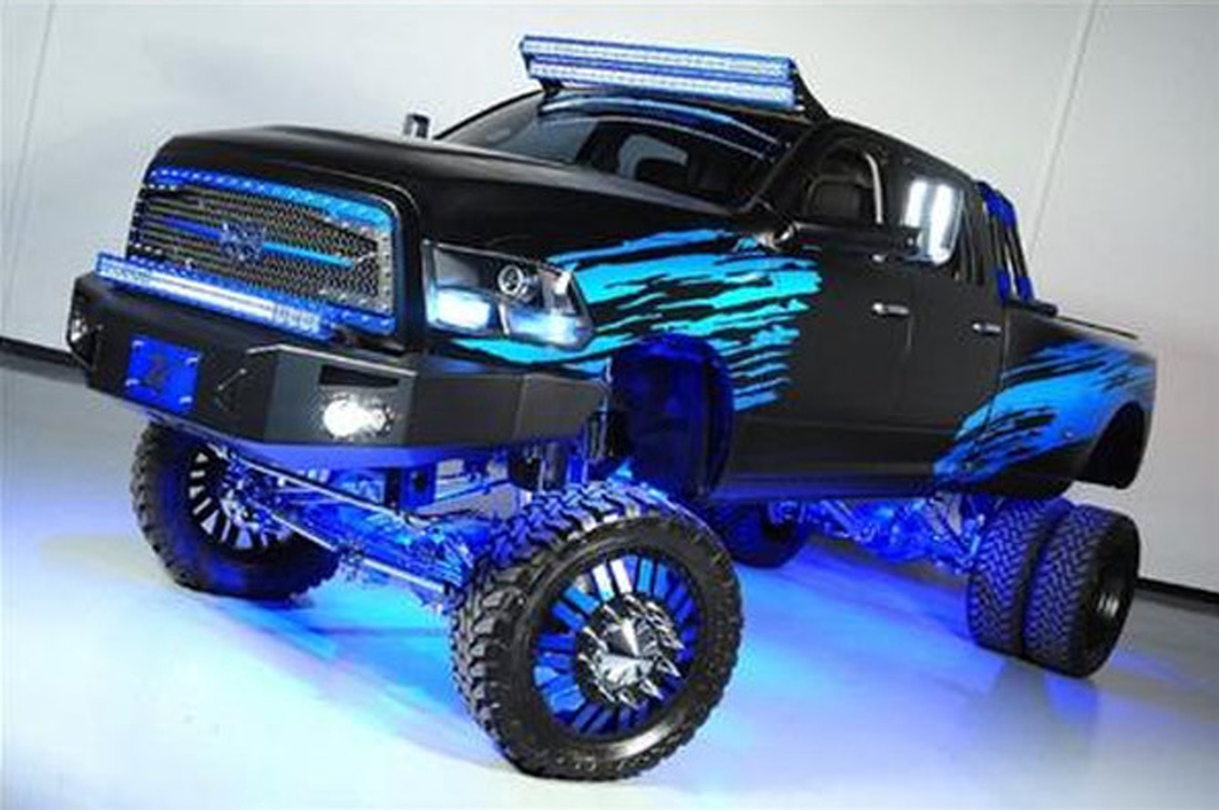 Ram 3500 Custom Texas Truck is All Kinds of Awful