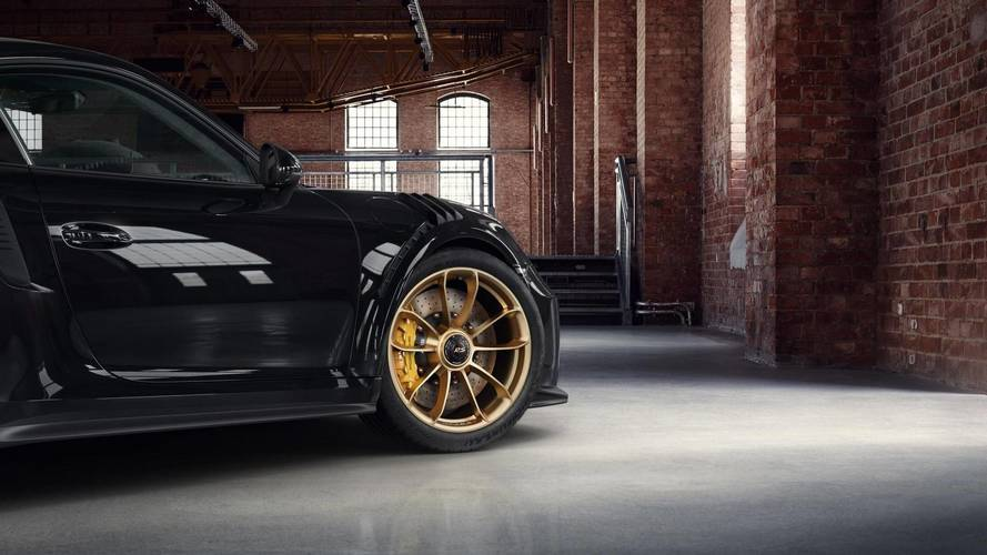 Porsche 911 GT3 RS with satin aurum wheels