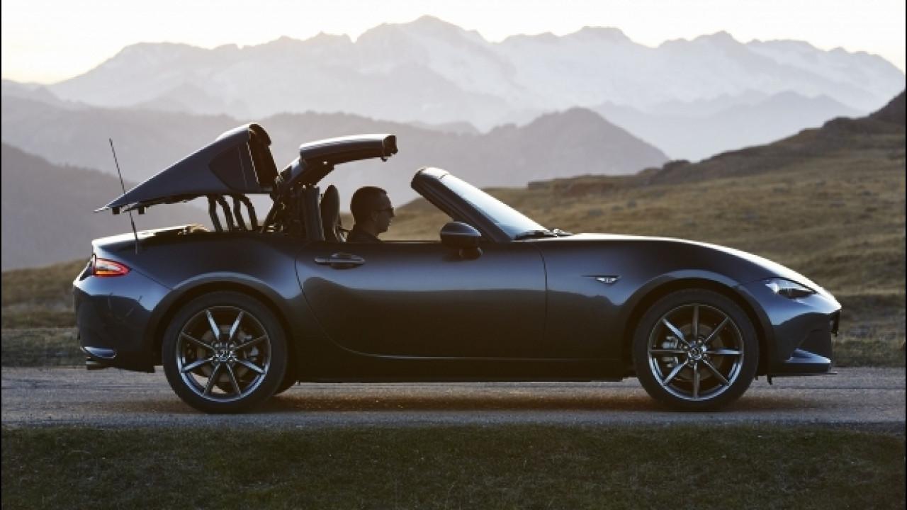 [Copertina] - Mazda MX-5 RF, cosa cambia rispetto alla sorella col tetto soft
