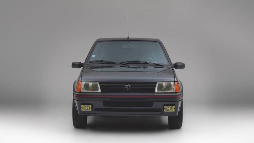 Un Peugeot 205 GTI blindado, a la venta
