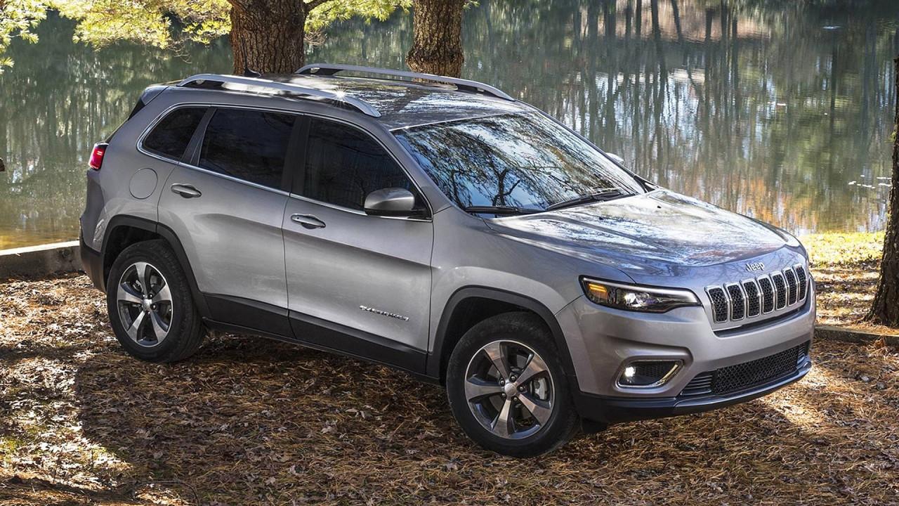 [Copertina] - Jeep Cherokee restyling, cala di peso e cambia il frontale
