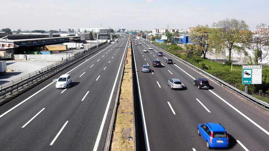Limite a 150 km/h: favorevoli e contrari
