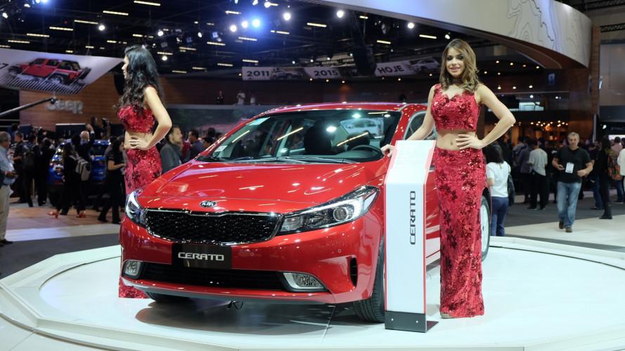 Kia Cerato tem desconto de R$ 8.000 e é vendido por R$ 72.990