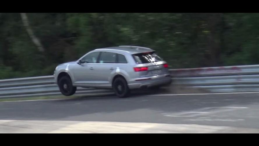 Flagra! Piloto de testes bate Audi SQ7 2016 em Nurburgring - vídeo