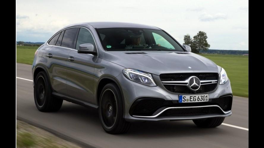 Estrelas: Lewis Hamilton testa novo Mercedes GLE Coupé (vídeo)