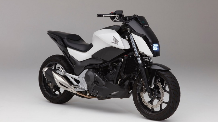 Honda cria moto que não cai com o sistema Riding Assist
