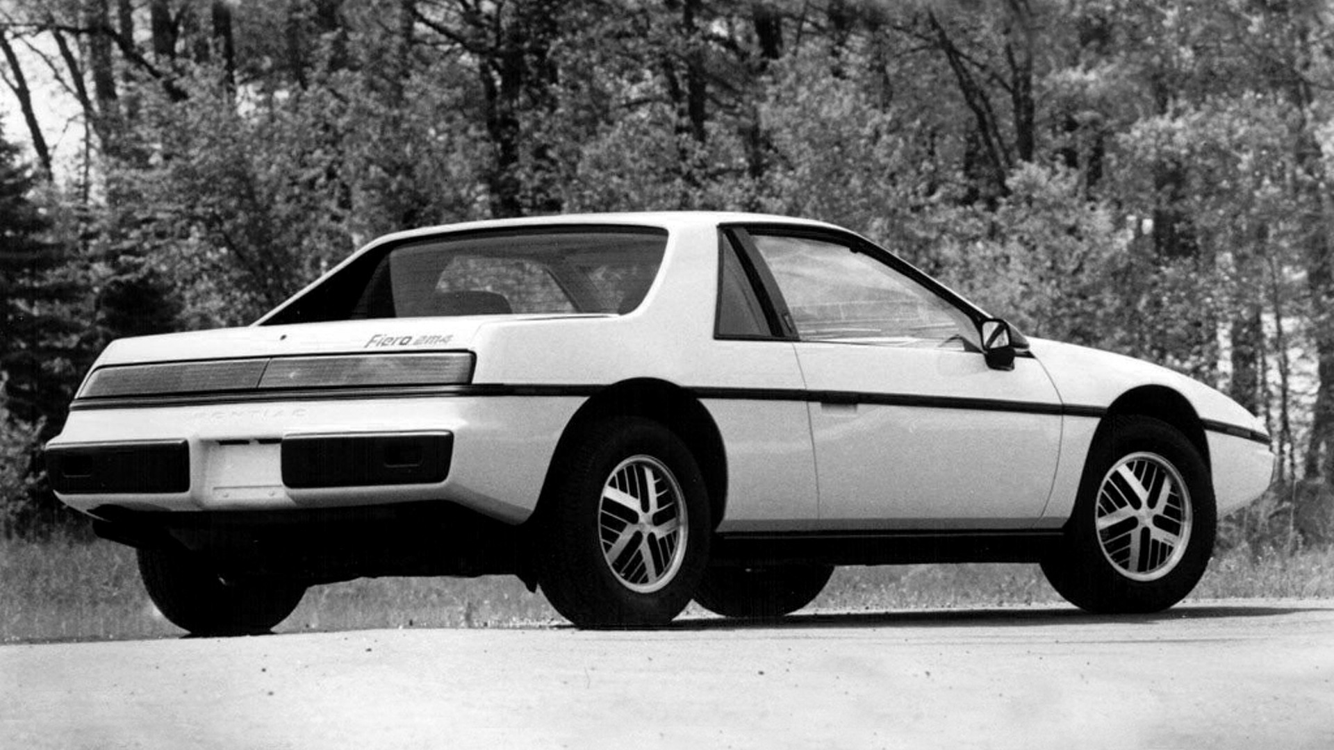 Worst Sports Cars: Pontiac Fiero