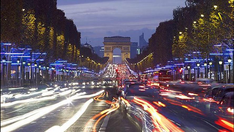 [Copertina] - Auto elettrica in Francia, 10.000 euro a chi rottama diesel di 10 anni
