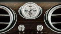 bentley bentayga con orologio da 200mila euro
