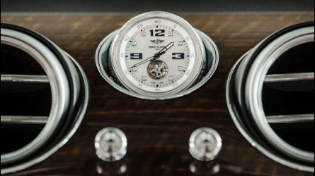 Bentley Bentayga, l'orologio è un optional da 200.000 euro