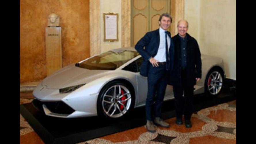 Lamborghini Huracan inaugura la stagione lirica a Bologna
