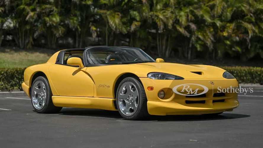 Si Cantik Dodge Viper 2002 Ini Akan Dilelang, Kondisinya Sempurna