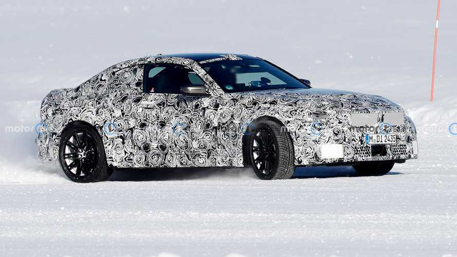New BMW M2 spied showing its tail-happy nature by playing in the snow
