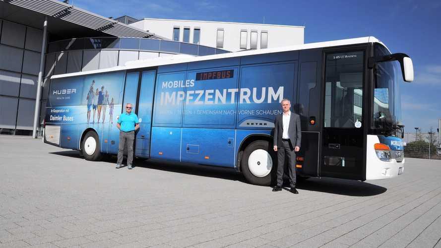 Daimler, il bus Setra trasformato in un centro vaccinazioni