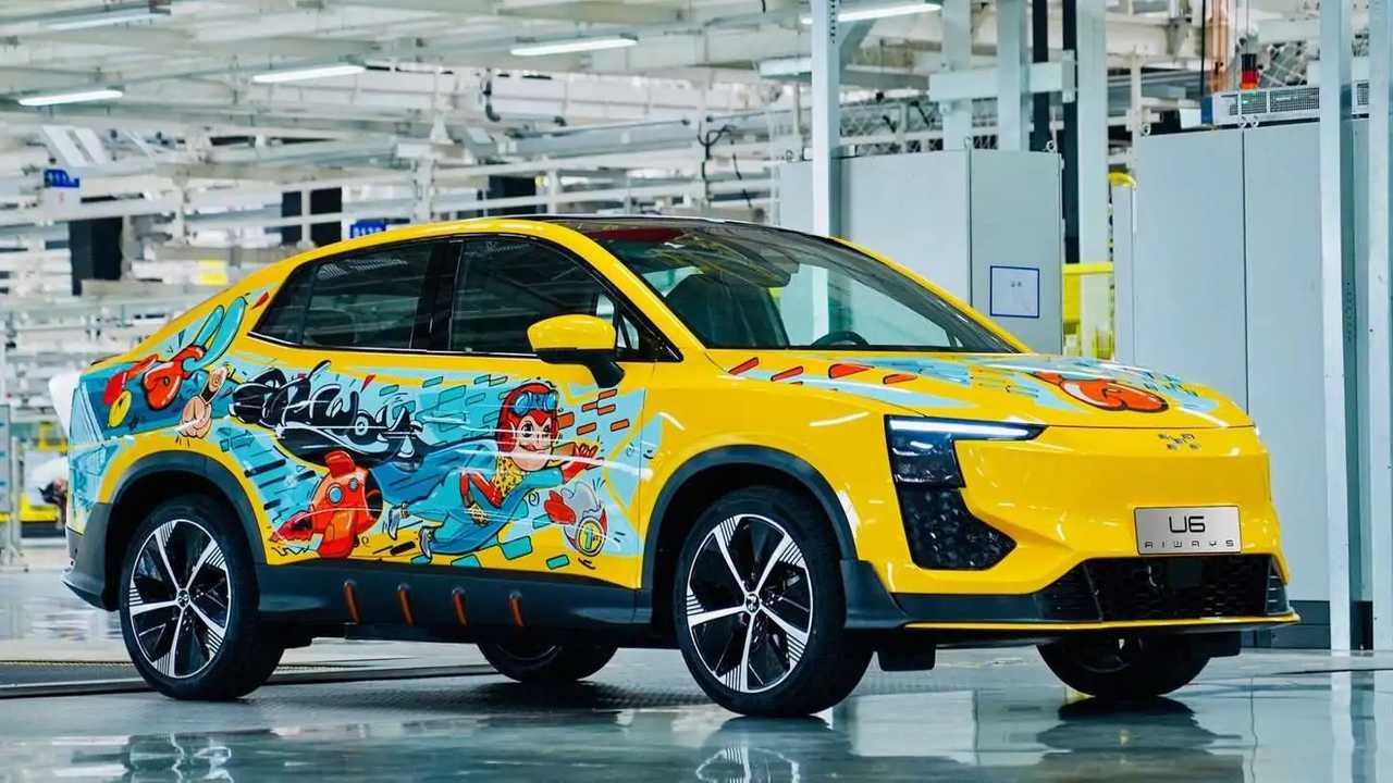 Aiways U6: Das erste Vorserienfahrzeug im Gewinner-Look eines Designwettbewerbs