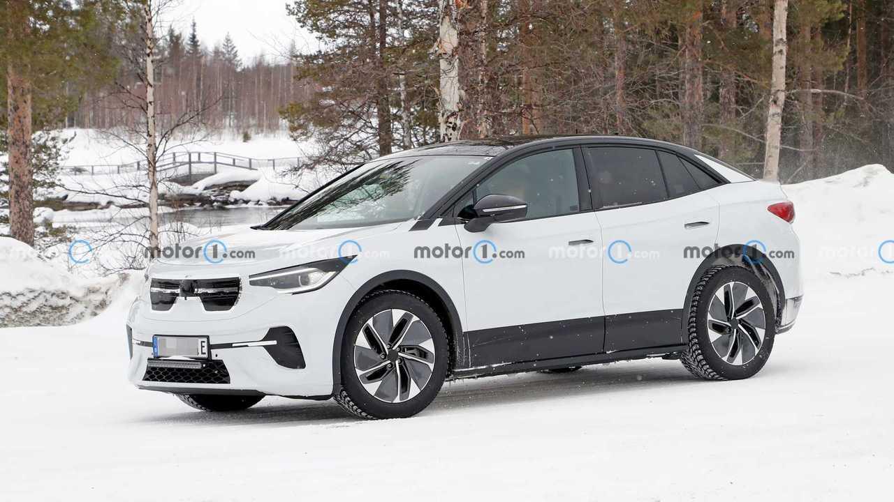 Уже готовый к производству Volkswagen ID.5 заметили на тестах