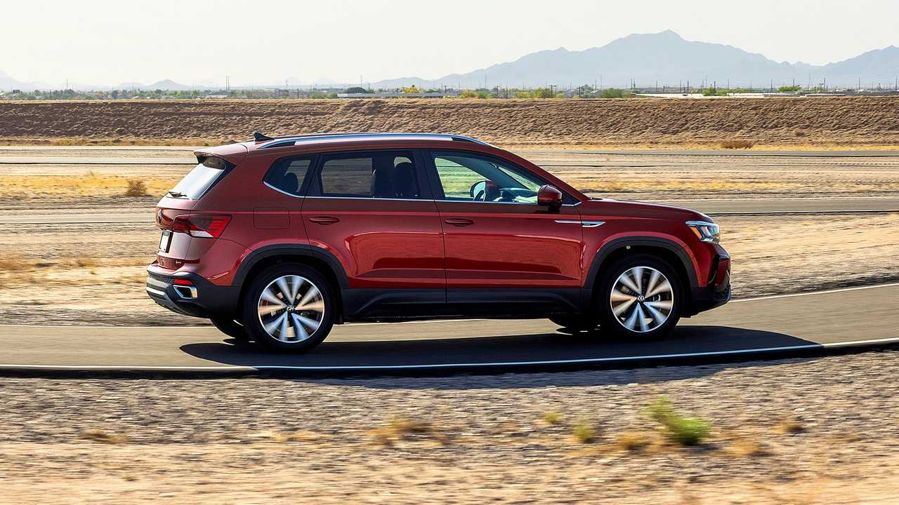 2022 Volkswagen Taos Exterior Rear Quarter