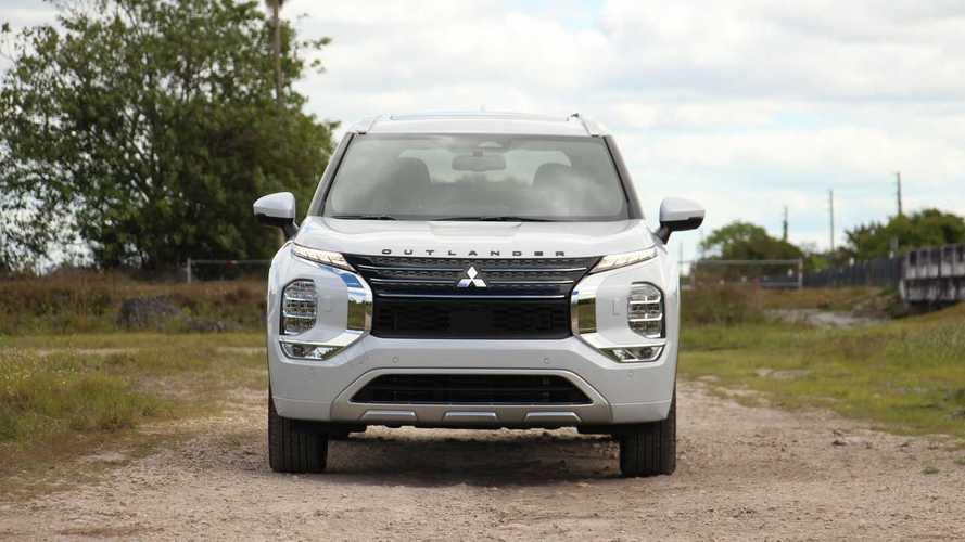 Mitsubishi Outlander Raih Penghargaan Top Safety Pick+ dari IIHS