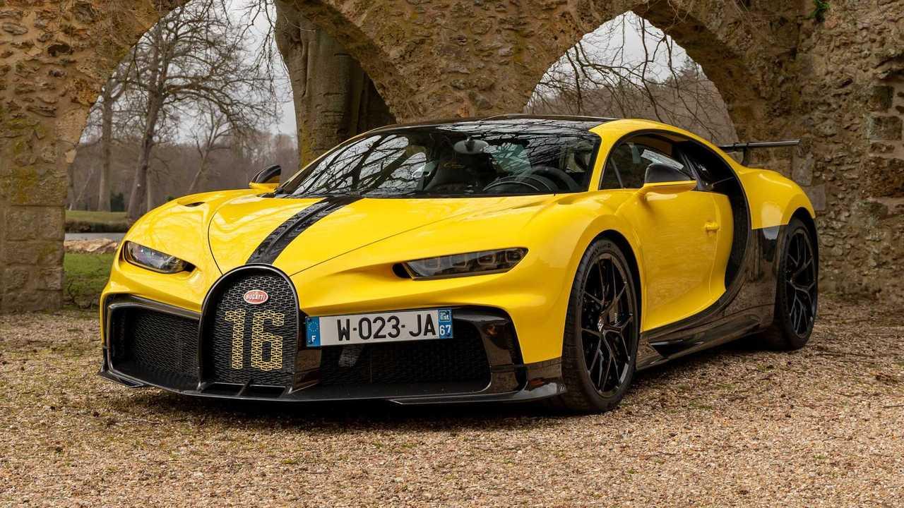 Der Bugatti Chiron Pur Sport bei einem Fotoshooting in Paris
