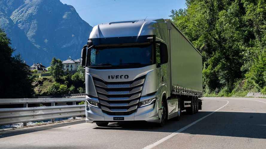 Iveco S-Way, proseguono le consegne di camion LNG in Italia