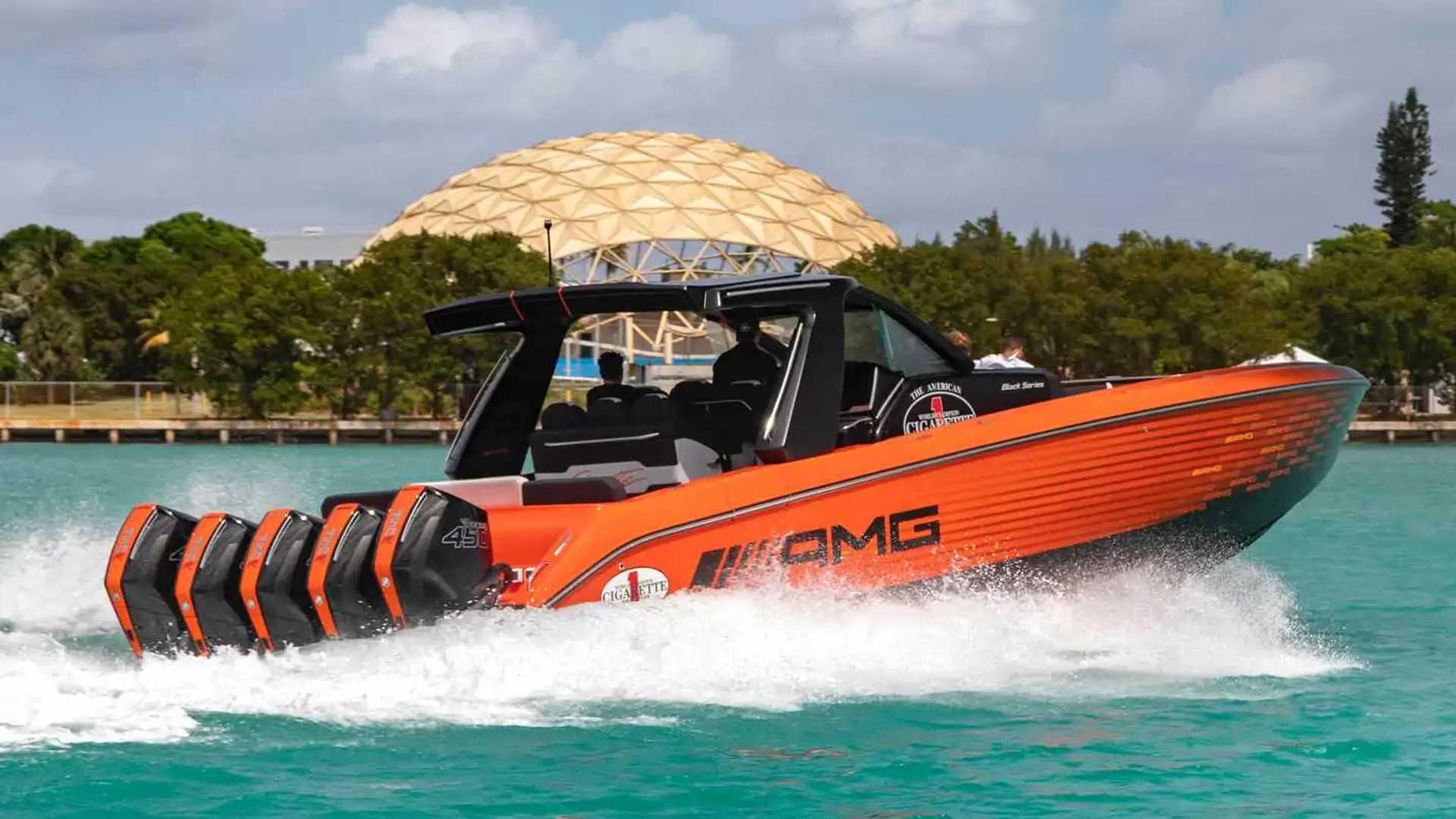 Mercedes-AMG's New Cigarette Boat Has 2,250 Horsepower