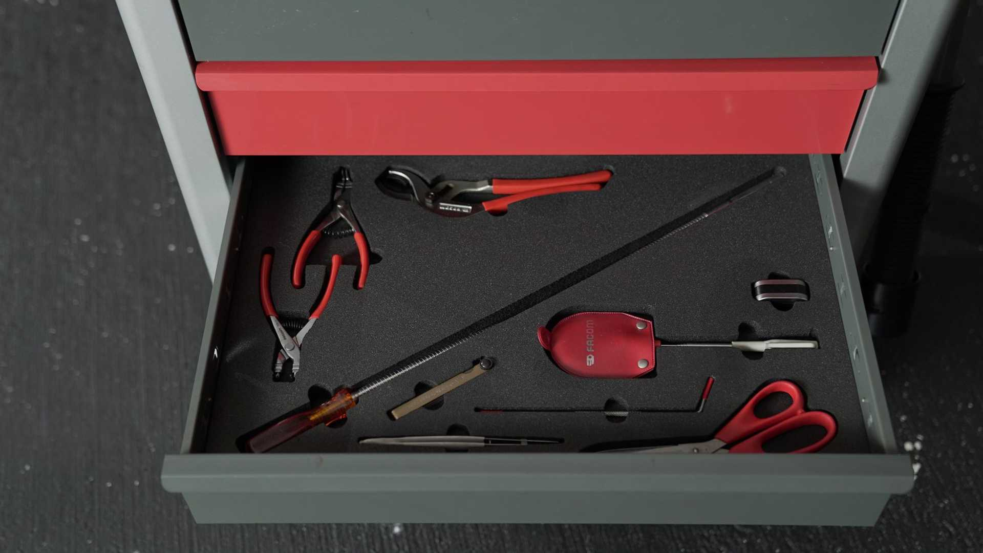 1995 McLaren F1 Gooding And Company Auction 2020 Assorted Tools