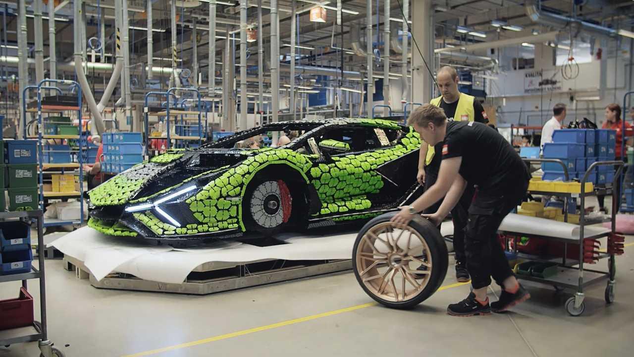 Lamborghini Sian, la réplique à l'échelle 1: 1 de Lego