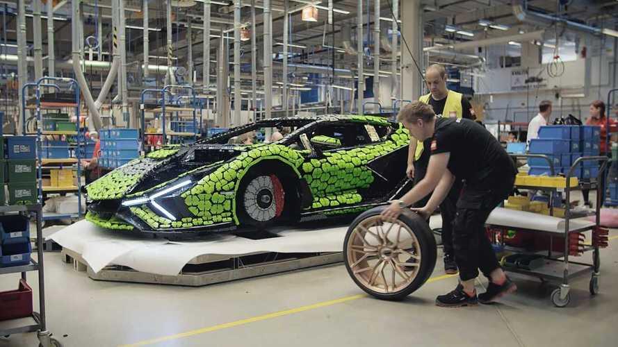 Lamborghini Sian, ecco la versione Lego da 400 mila pezzi