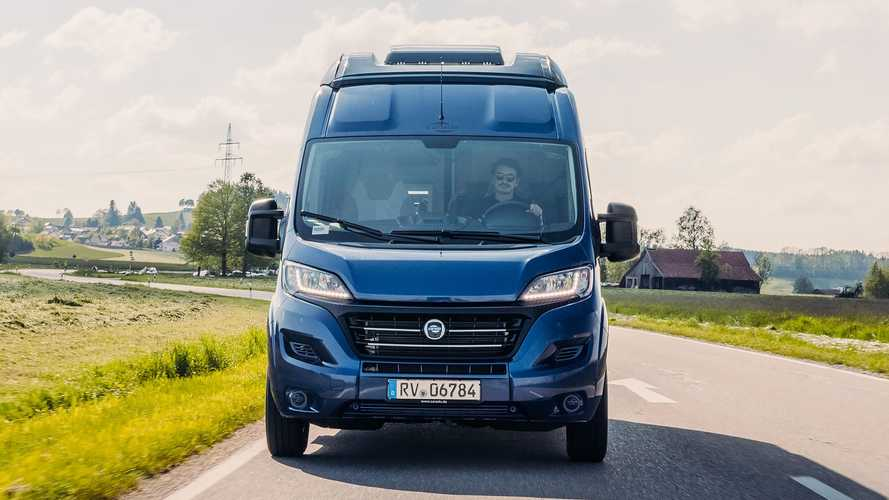 Carado Edition15 Camper Van (2021)