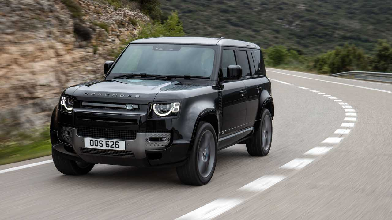 Der Land Rover Defender könnte eine zweite, noch stärkere Variante mit V8 Motor erhalten