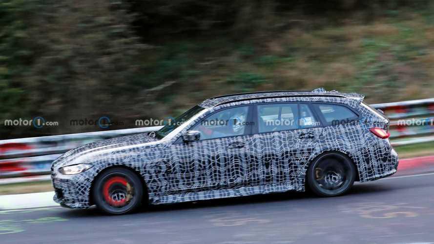 Izzanak a 2022-es BMW M3 Touring fékjei, ahogy a Nürburgringen püfölik őket