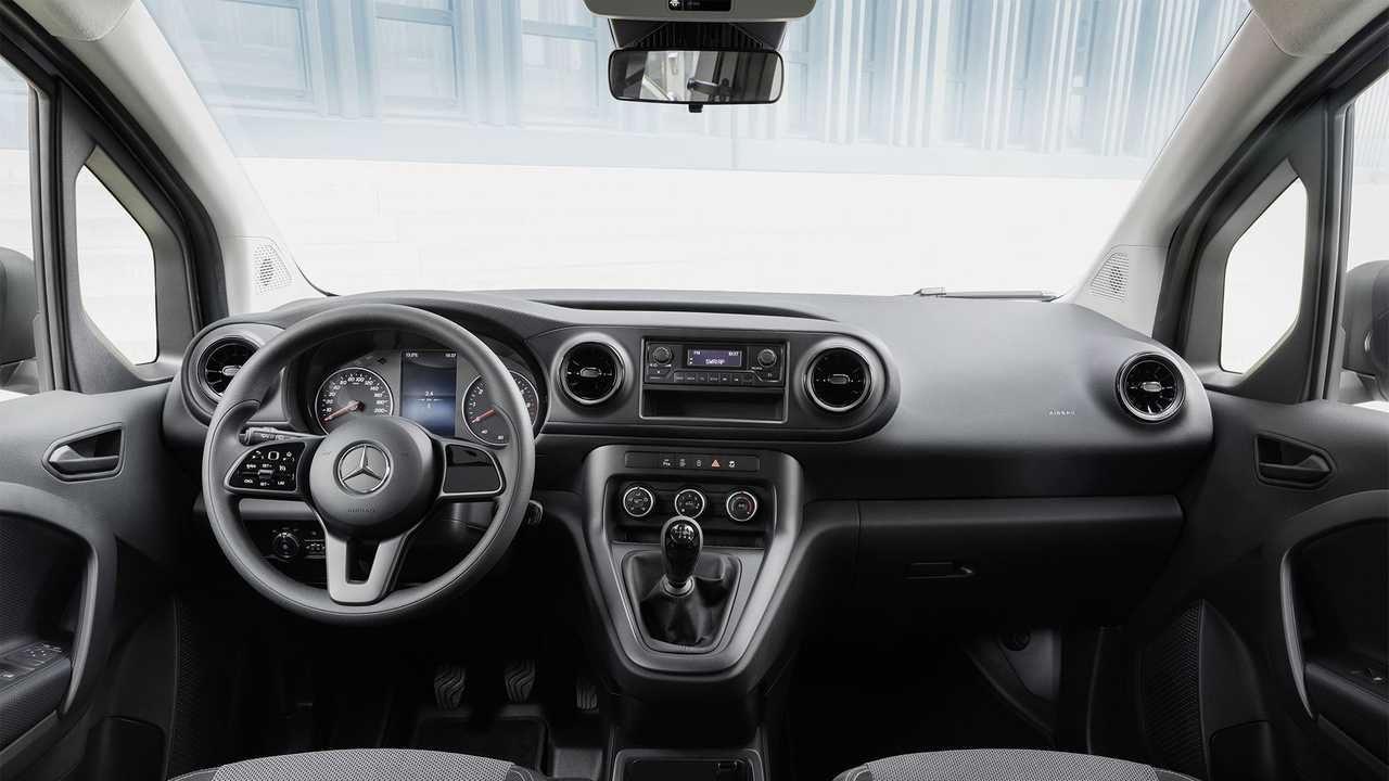 Mercedes-Benz Citan - Driver's Interior