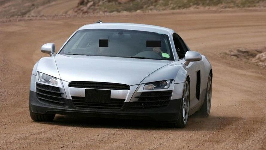SPY PHOTOS: Audi R8 - in Full Showroom Trim