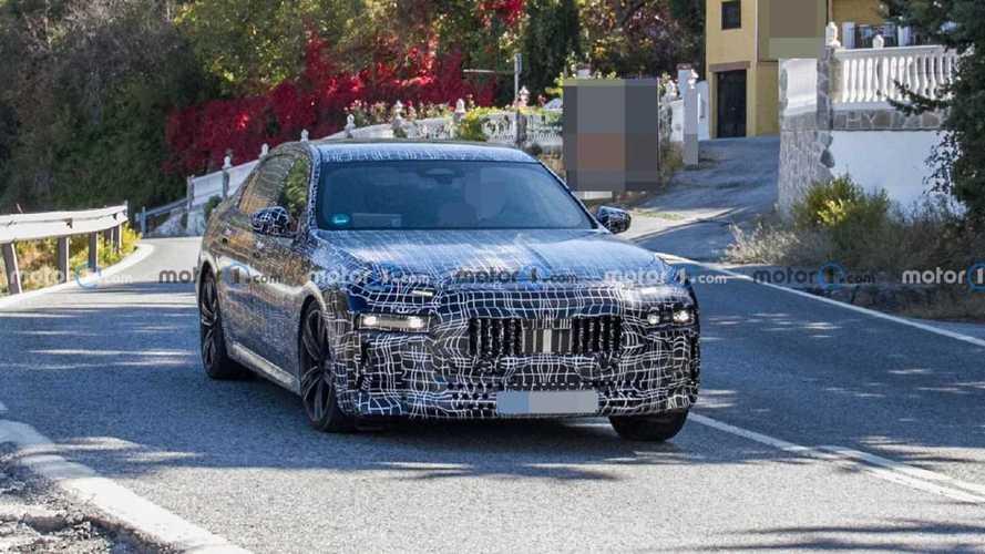 2022 BMW 7 Serisi'nin ilginç far takımına yakından bakın